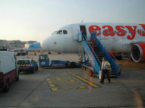 AIRLINES1086-.JPG