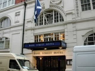 Basil St hotel旧.jpg