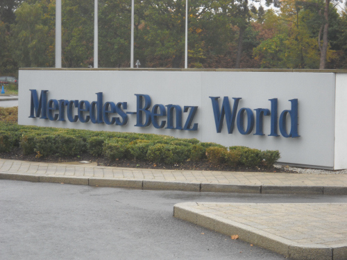 Mercedes Benz_2336.JPG